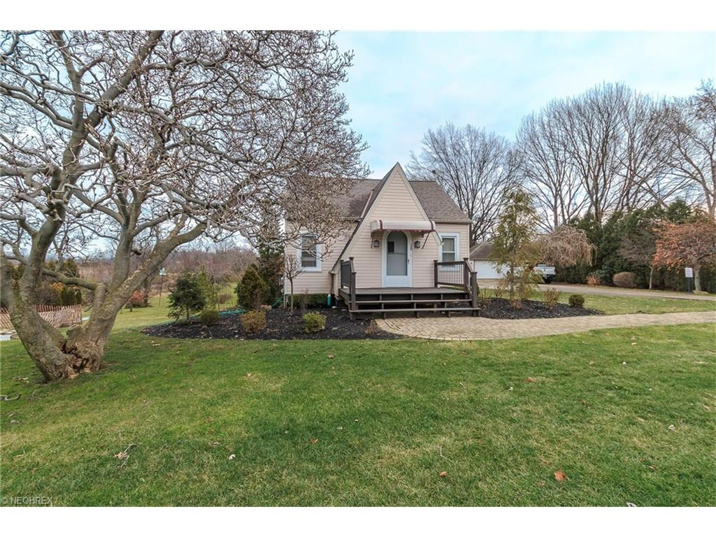 320 Bowhall Rd, Painesville, OH 44077