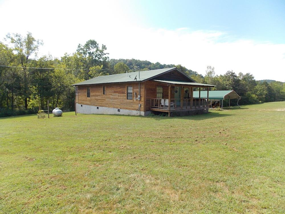 2136 Mayberry Prong Rd, Linden, TN 37096