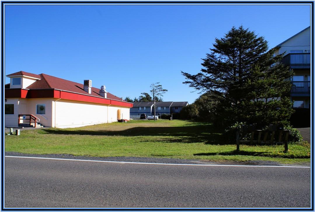 904 Ocean Shores Blvd, Ocean Shores, WA 98569