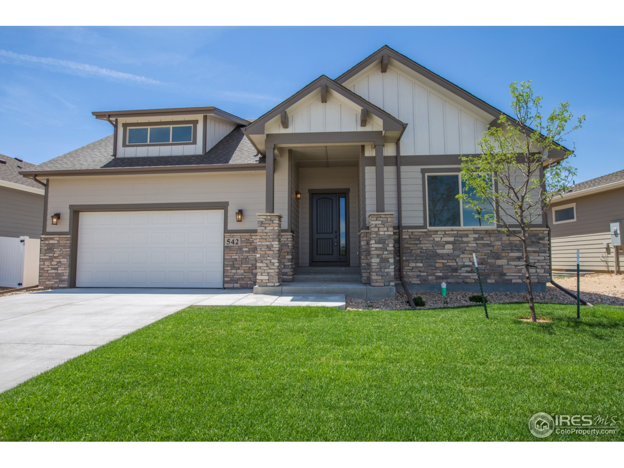 542 Vermilion Peak Dr, Windsor, CO 80550