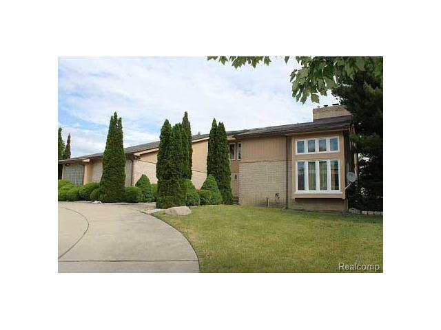 6040 Fairbrook Drive, West Bloomfield Twp, MI 48322