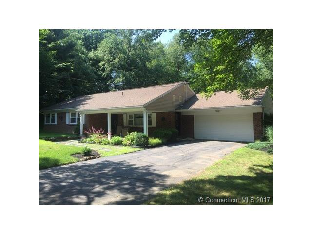 226 Knollwood Dr, New Haven, CT 06515