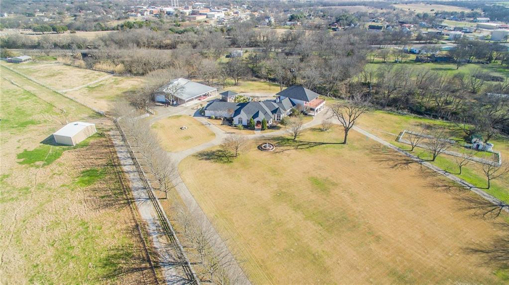 320 Dale Evans Drive, Italy, TX 76651