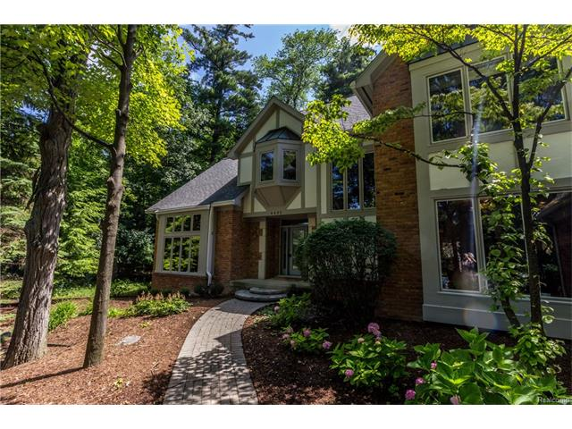 4495 HIDDEN VALLEY Drive Drive, Orchard Lake, MI 48323