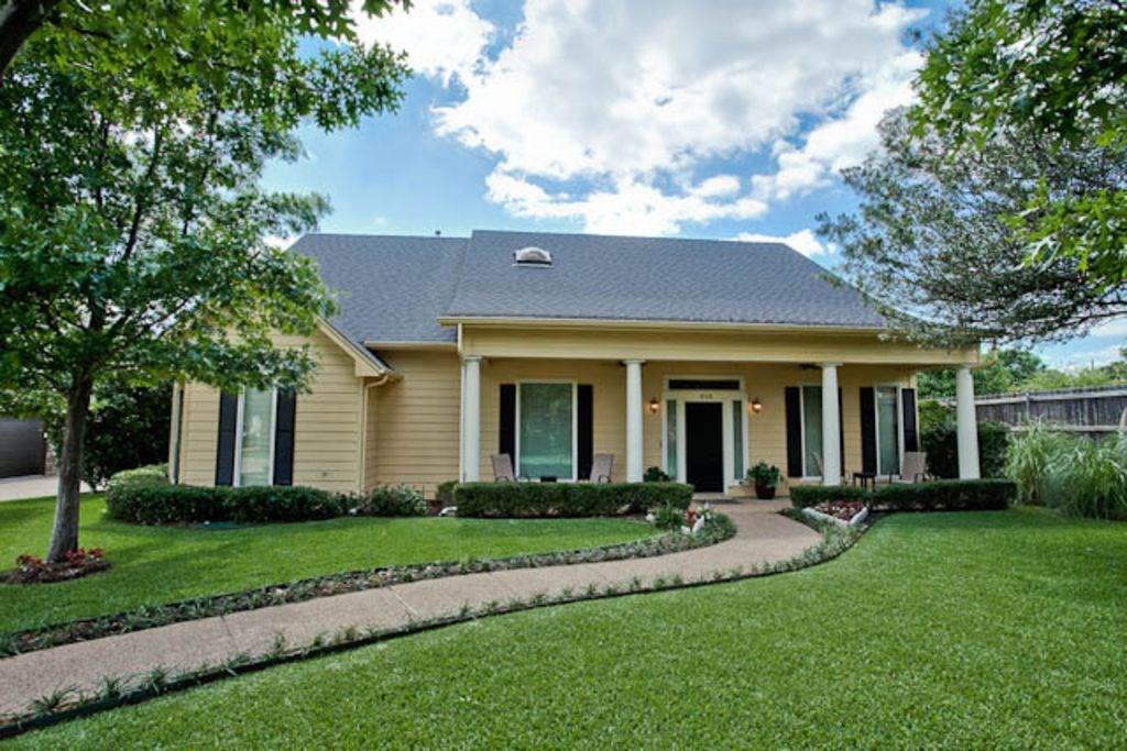 4158 Fair Oaks Drive, Grapevine, TX 76051