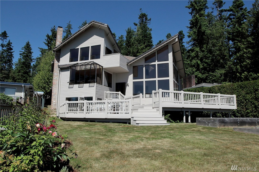 708 Priest Point Dr NW, Tulalip, WA 98271
