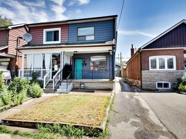 125 Kane Ave, Toronto, ON M6M 3N1