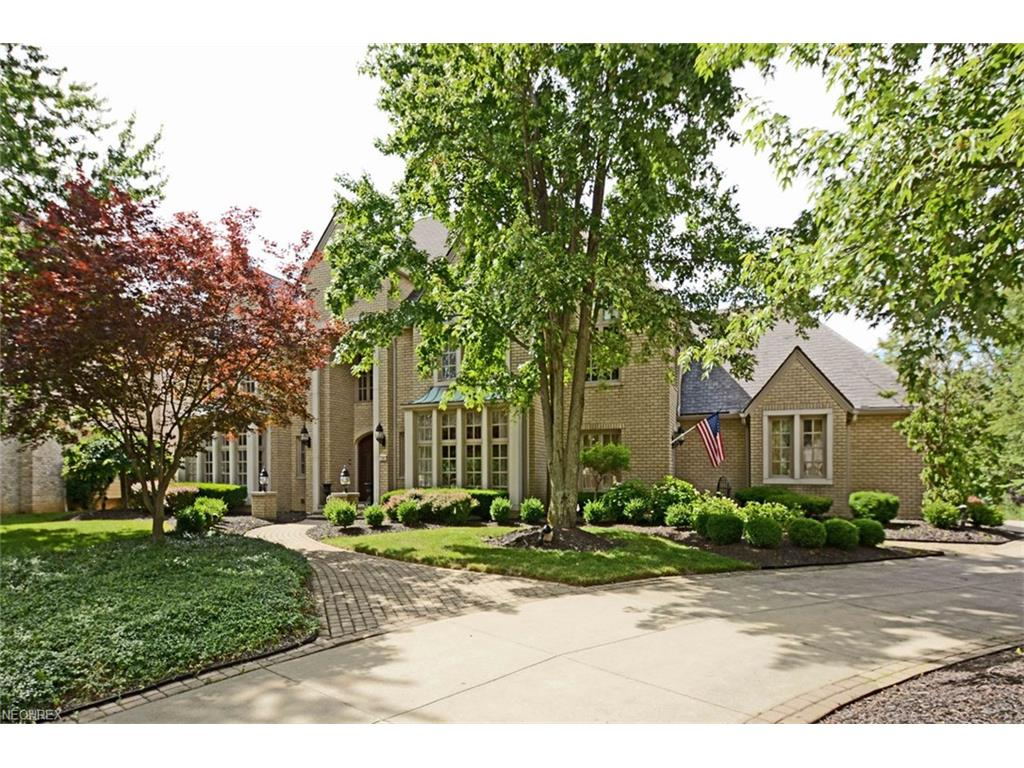 2392 Wingedfoot Dr, Westlake, OH 44145