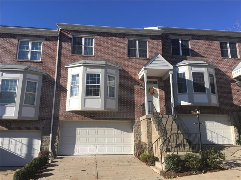 708 Highpointe Circle, Pittsburgh, PA 15220