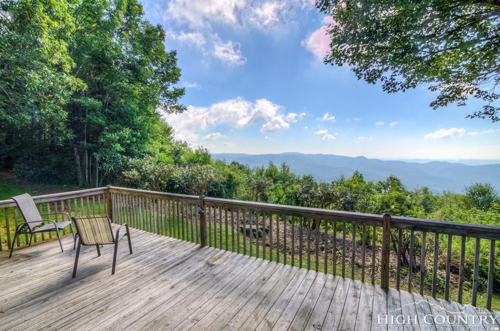 243 Misty Ridge Lane, Blowing Rock, NC 28605
