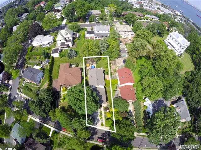 21 Nixon Avenue, Out Of Area Town, NY 10304