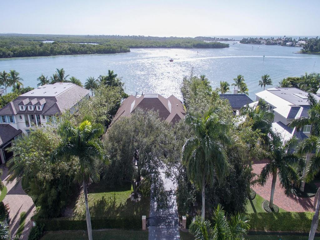 700 Admiralty Parade West, NAPLES, FL 34102