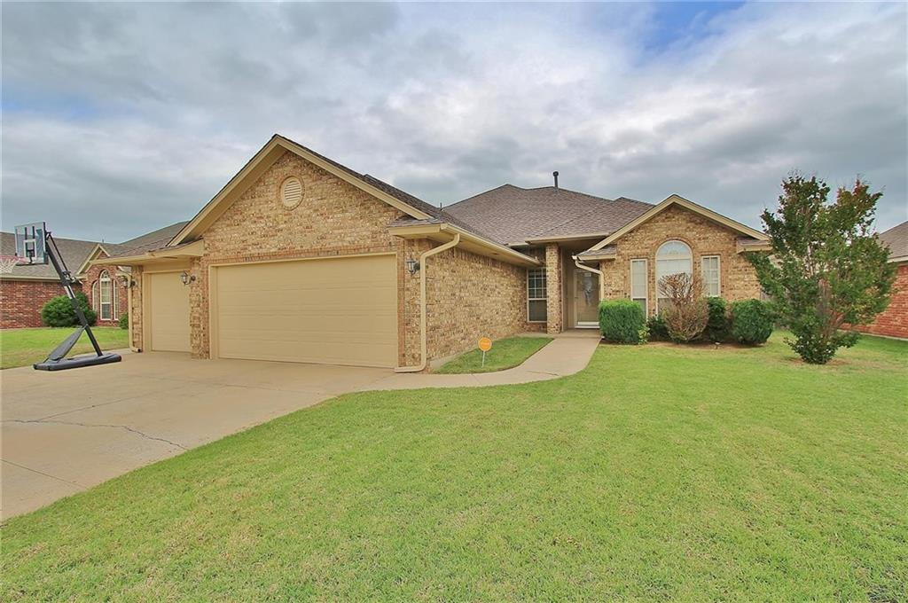 2908 Christina Court, Moore, OK 73160
