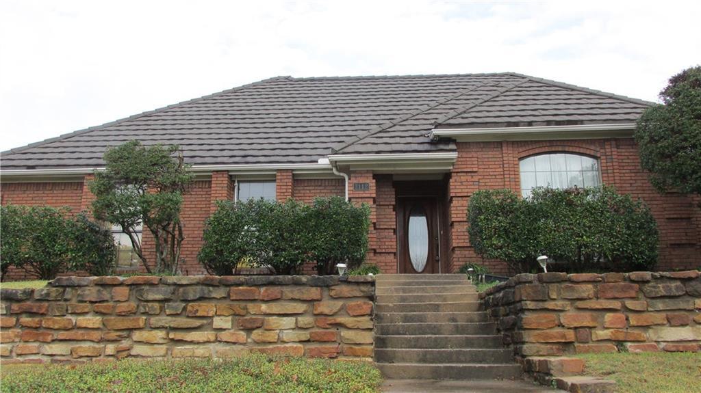 3112 Woodridge Drive, Hurst, TX 76054