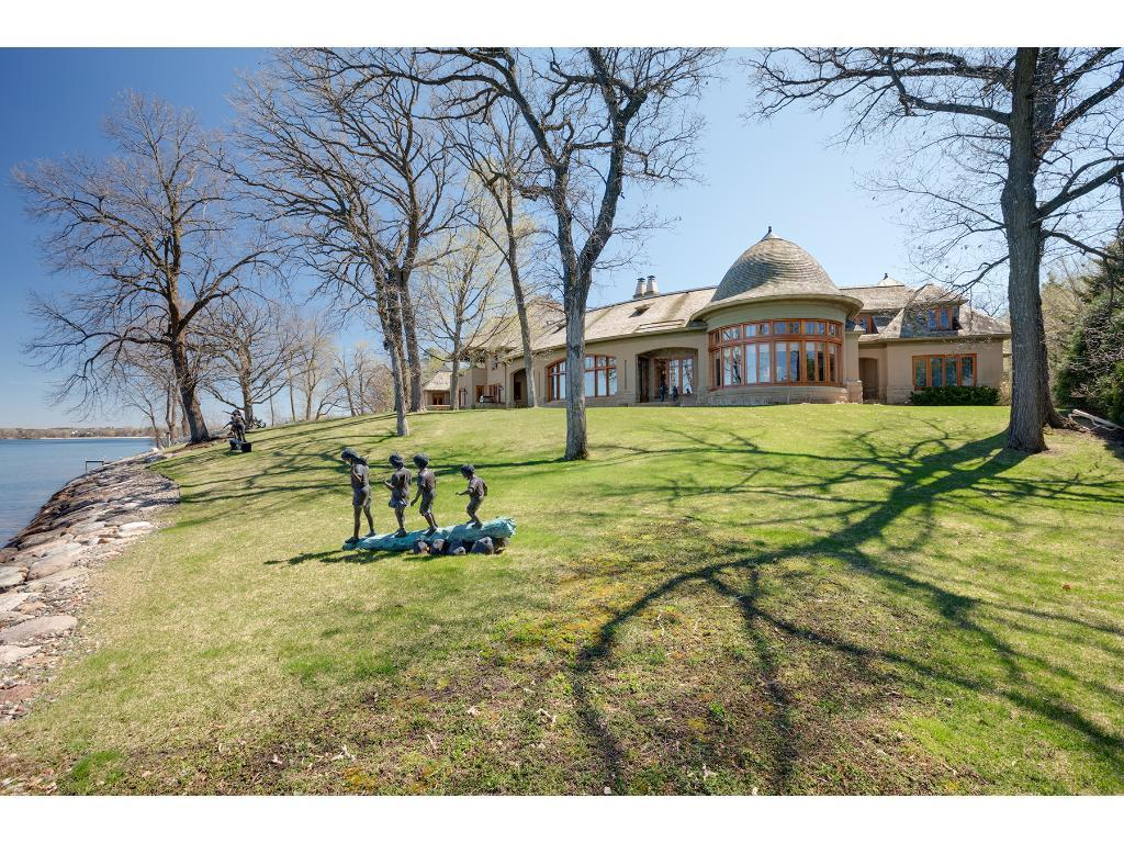 2660 Woolsey Lane, Woodland, MN 55391