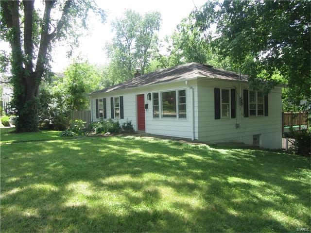 507 Ballas Road, Kirkwood, MO 63122