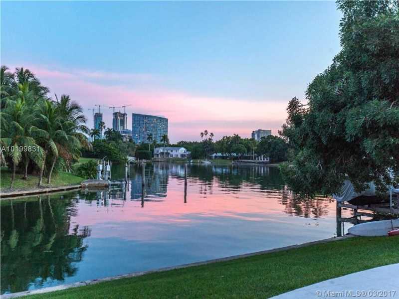 4765 Lake Rd, Miami, FL 33137