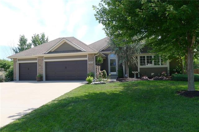 1517 Eagle Glen Circle, Raymore, MO 64083