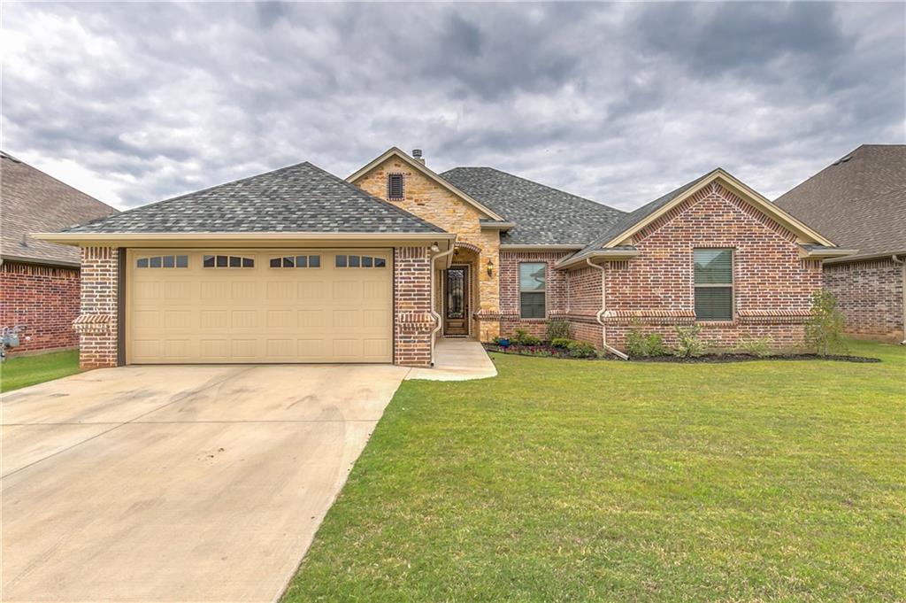 309 Oar Wood Drive, Granbury, TX 76049