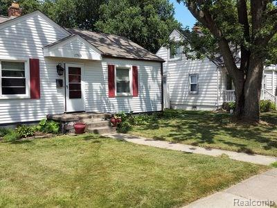 1703 DALLAS Avenue, Royal Oak, MI 48067
