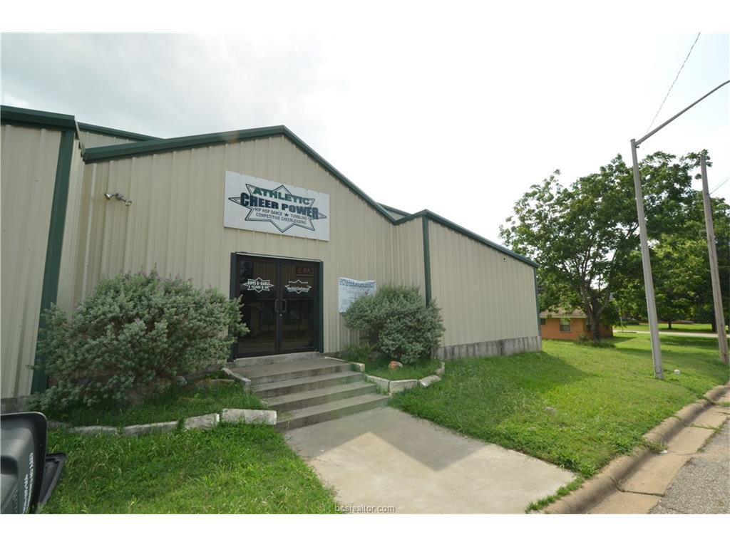 105 N Echols Street, Caldwell, TX 77836