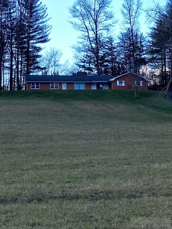 200 Circle Hill Lane, Mountain City, TN 37863