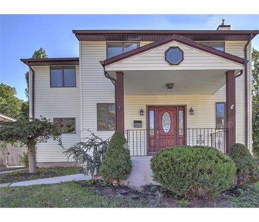 15 Pergola Avenue, Monroe Township, NJ 08831