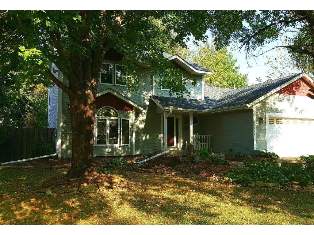 12004 Summerset Lane, Burnsville, MN 55337