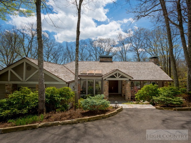 332 Branch Water Run, Linville, NC 28646