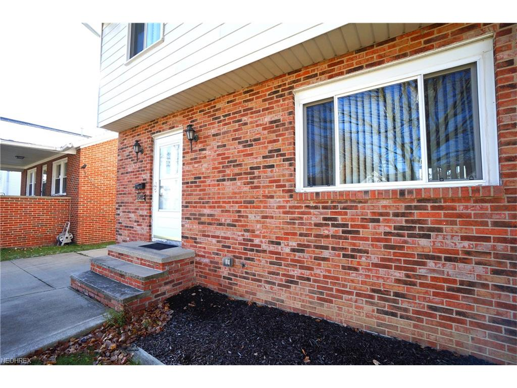 1548 Fruitland Ave, Mayfield Heights, OH 44124