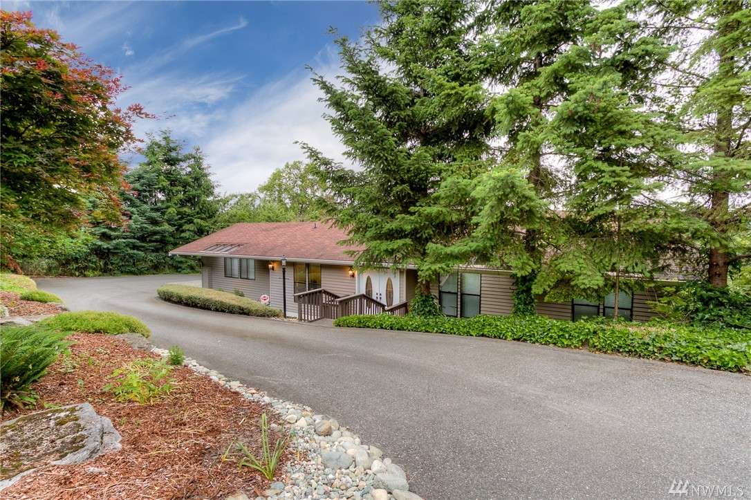 320 Maple Ave NW, Renton, WA 98057