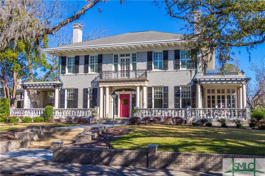 614 E Victory Drive, Savannah, GA 31405