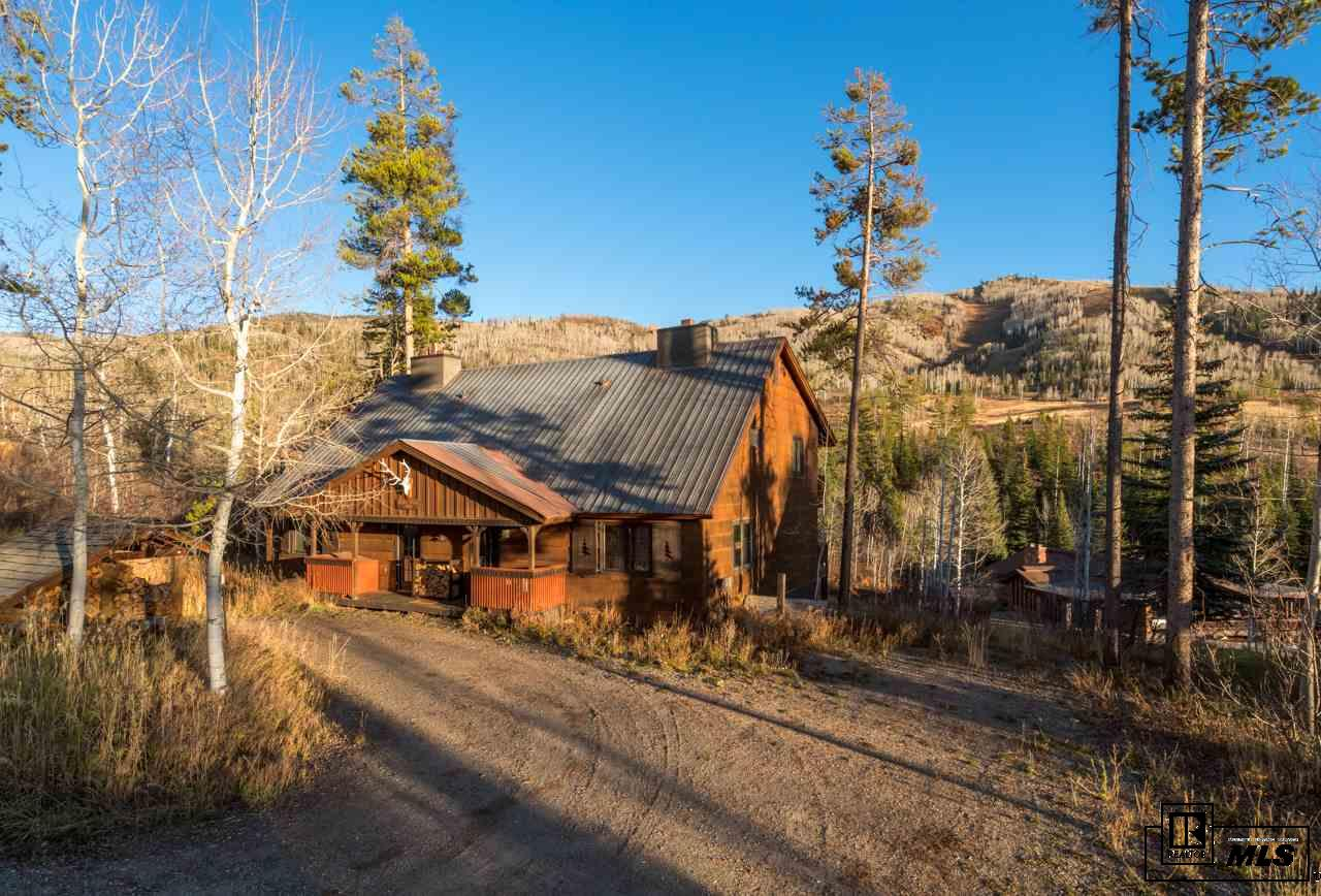 1530 Kinnikinnick Ln, Steamboat Springs, CO 80487