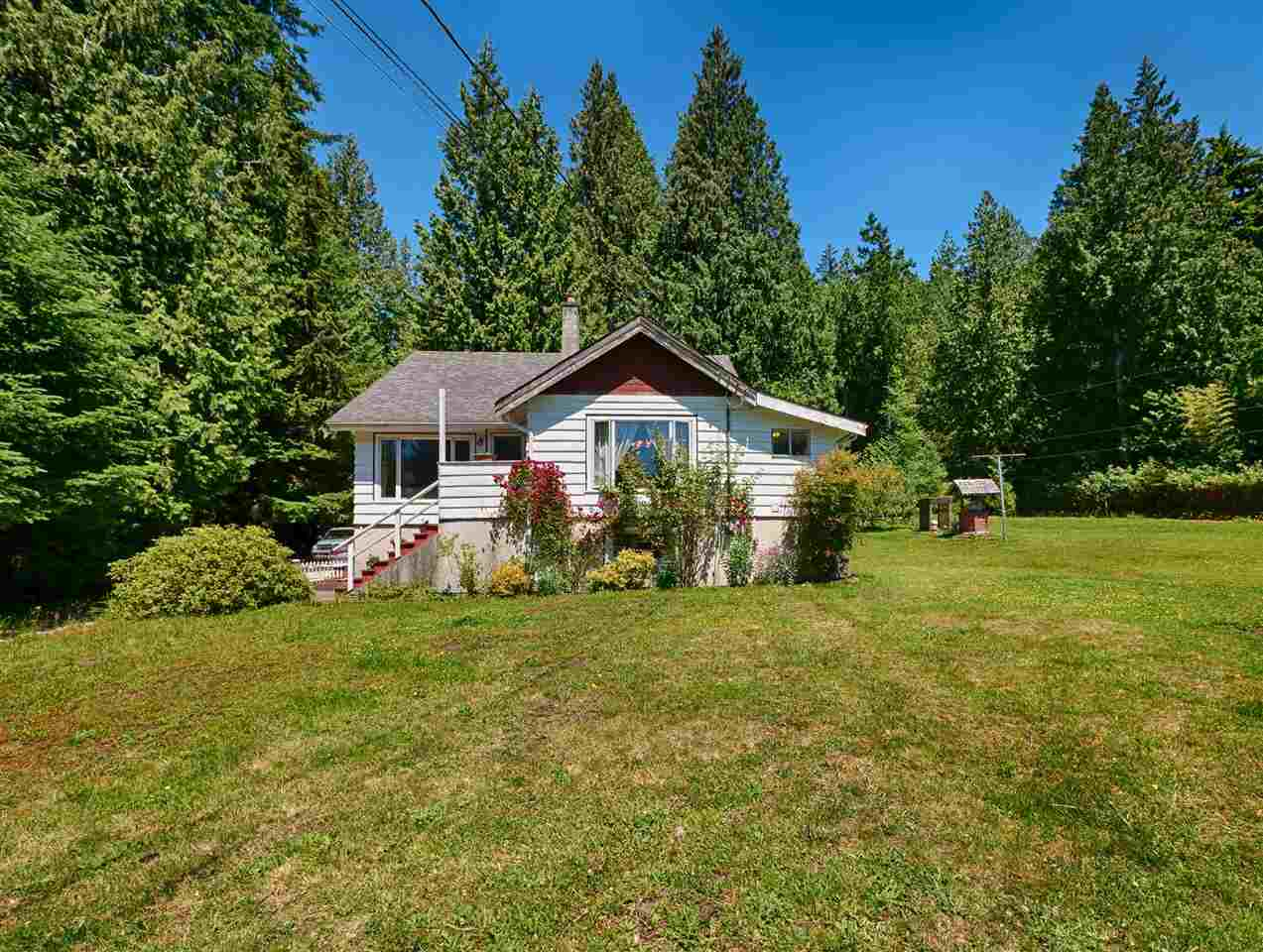 2706 SUNSHINE COAST HIGHWAY, Roberts Creek, BC V0N 2W3