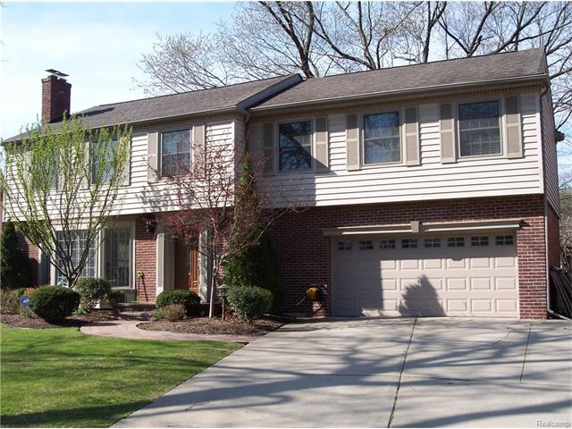25207 E ROYCOURT, Huntington Woods, MI 48070