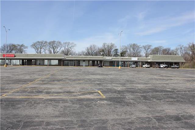 10500 Grandview Road, Kansas City, MO 64127