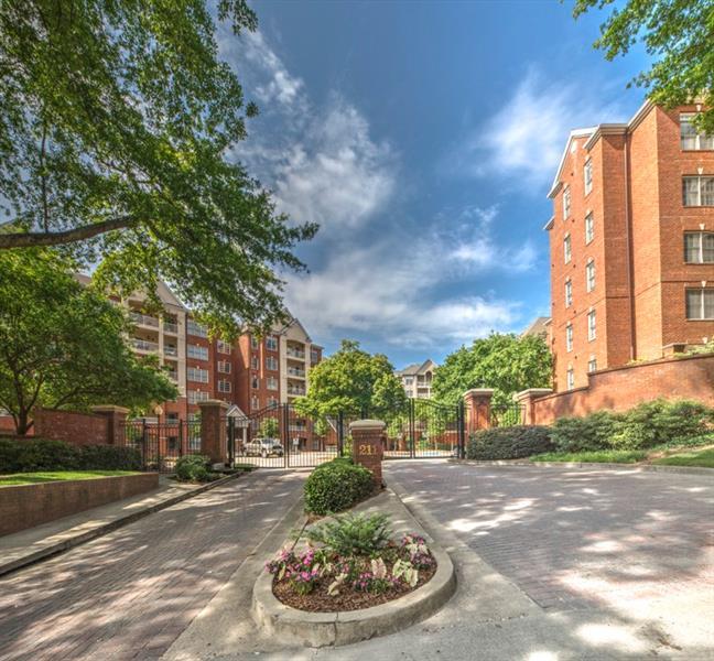 211 NW Colonial Homes Drive 2106, Atlanta, GA 30309