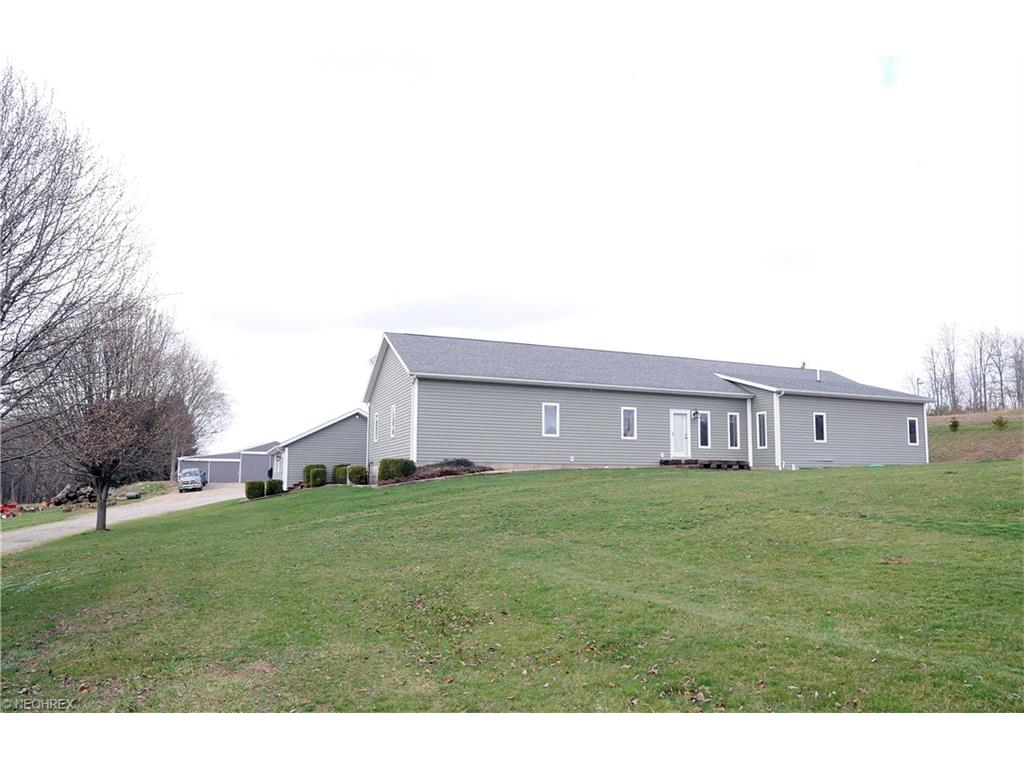 7315 Mitchell Ln, Adamsville, OH 43802