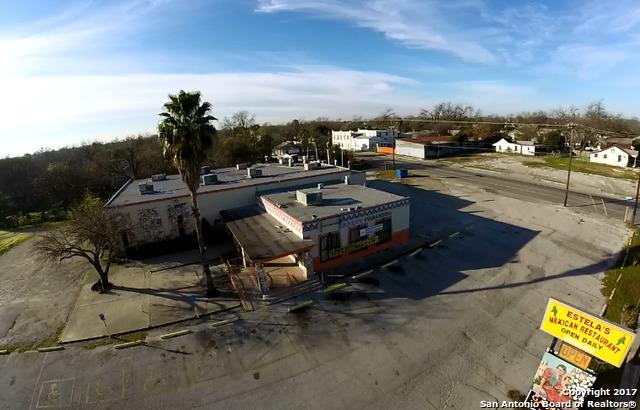 2200 W MARTIN ST, San Antonio, TX 78207