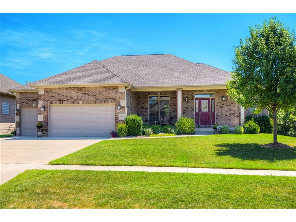 2763 NW 164th Street, Clive, IA 50325