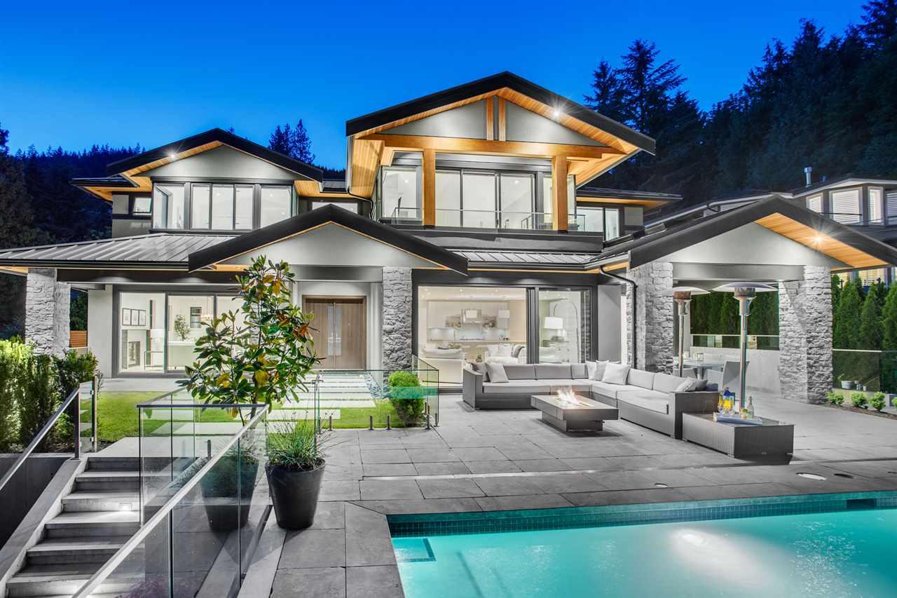 3161 WESTMOUNT PLACE, West Vancouver, BC V7V 3G4
