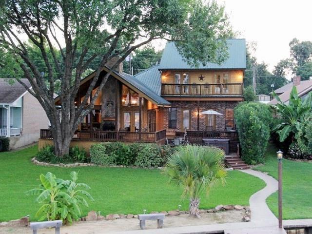315 Lake Front Drive, Mabank, TX 75156