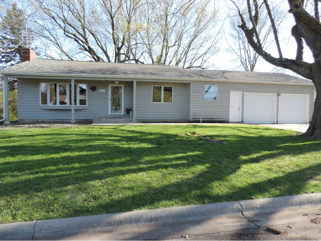 415 Clyde Street, West Concord, MN 55985