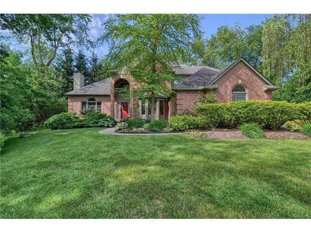 30755 FRANKLIN WOODS Court, Franklin Vlg, MI 48025