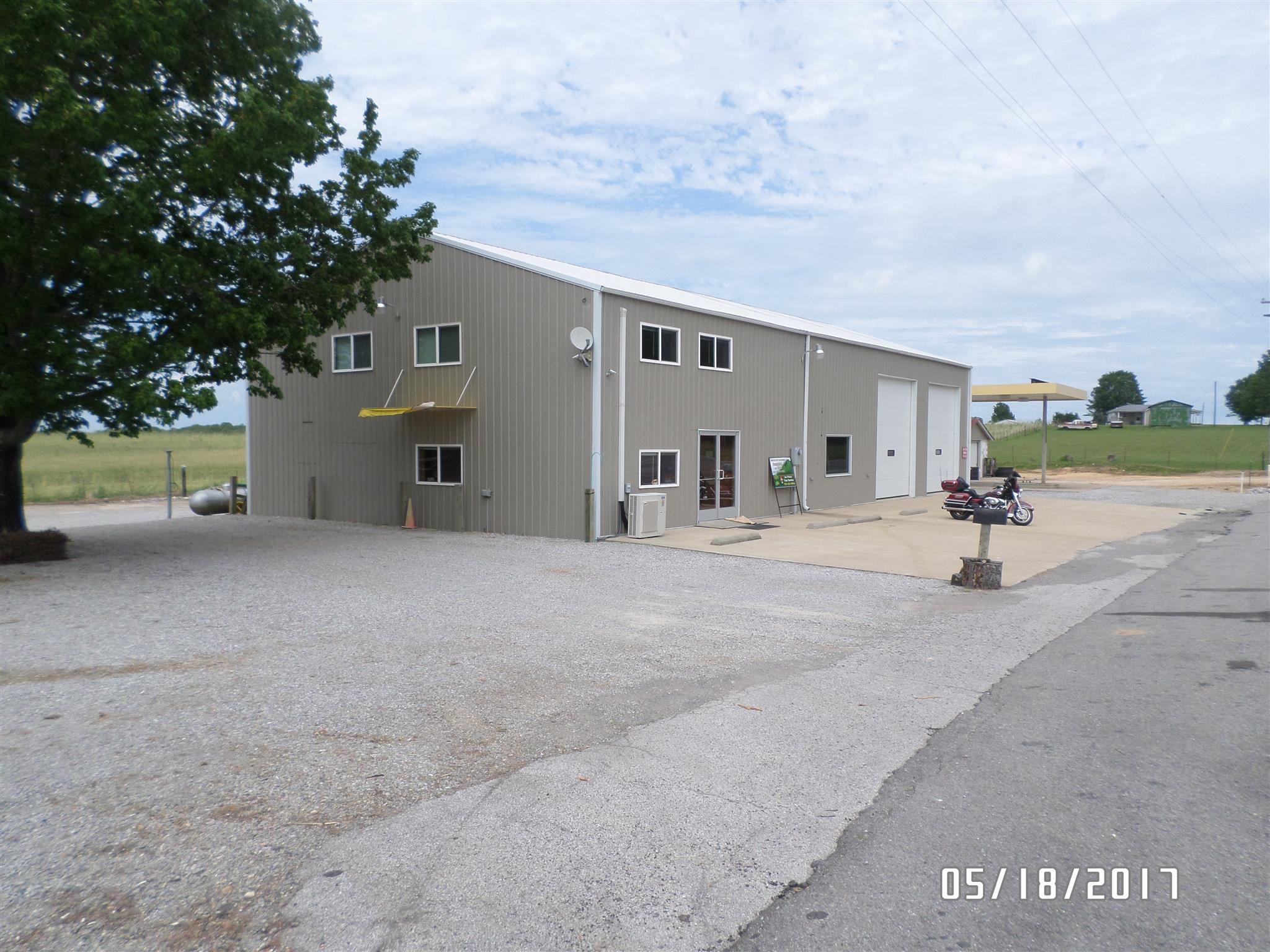 519 Central Tpke, Lawrenceburg, TN 38464