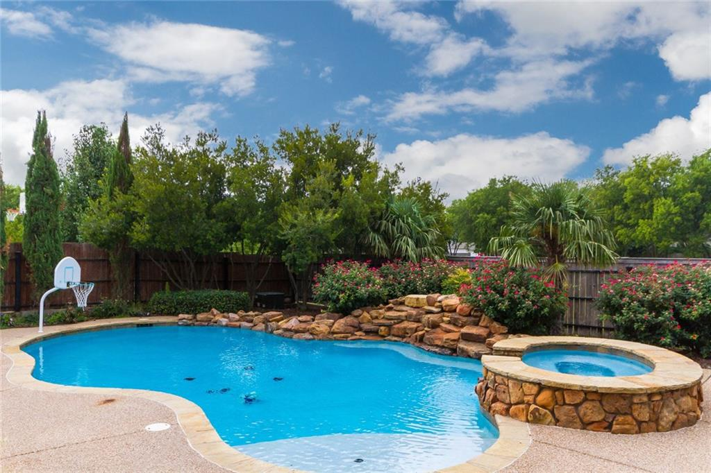 1407 Wedgewood Drive, Cleburne, TX 76033