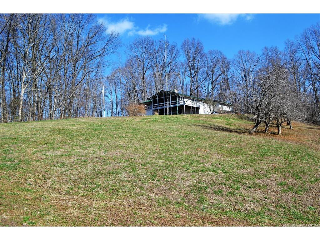 5042 Jericho Road, Taswell, IN 47175