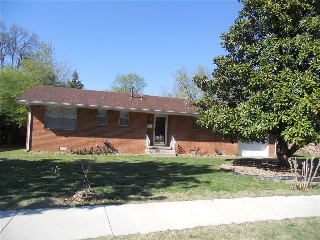 611 Will Rogers DR, Rogers, AR 72756