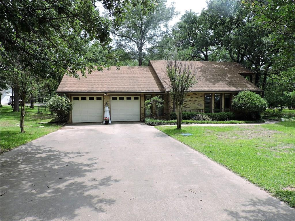 172 Colonial Drive, Mabank, TX 75156