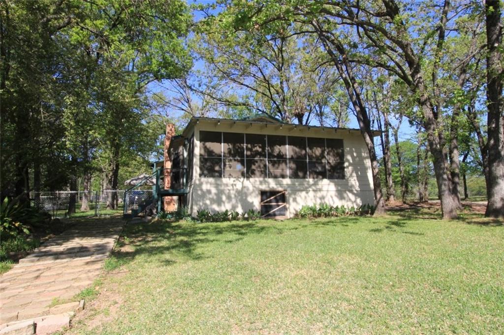 102 Luann Way, Mabank, TX 75156